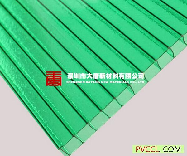 安装步骤    将板材运至安装位置;撕去片板材底部